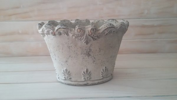 Feather Pot (Oval Shaped)